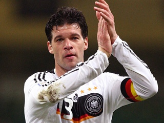 Ballack seals Bayer return